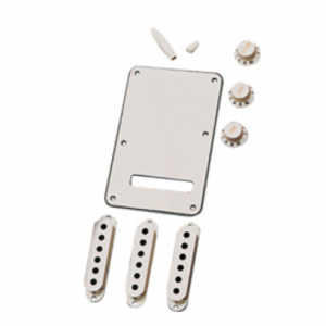 Fender Stratocaster Accessory Kit White