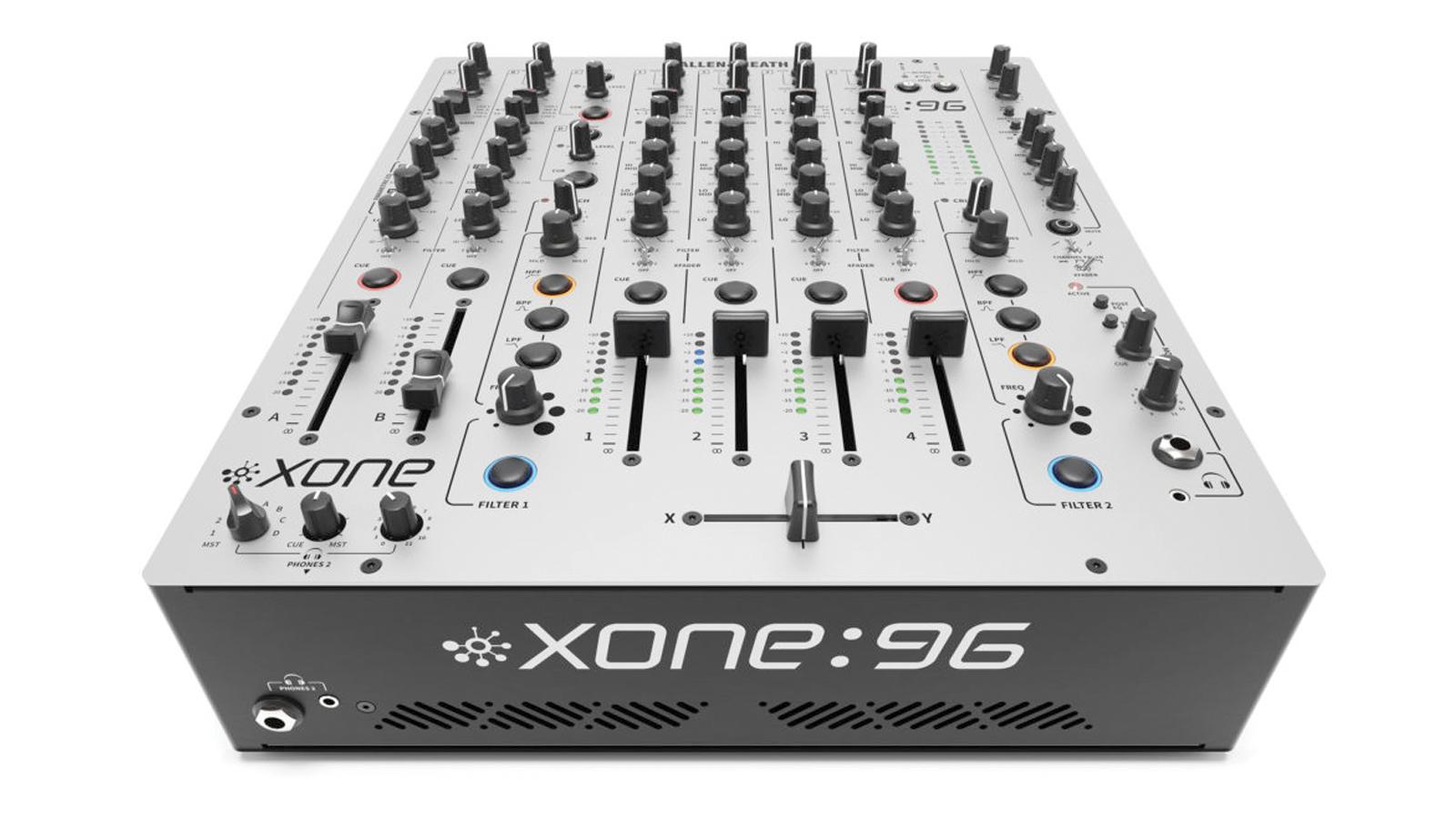 Allen&Heath Xone:96 DJ-Mixer