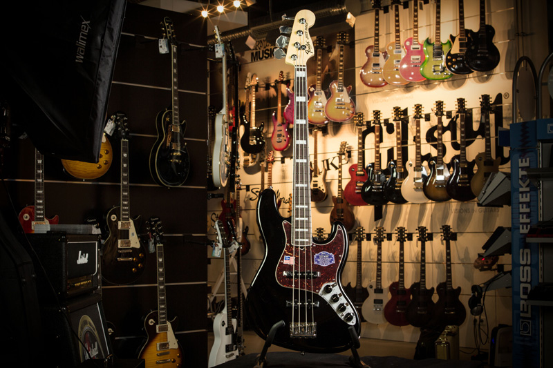 Fender FSR American Deluxe Jazz Bass RW BK