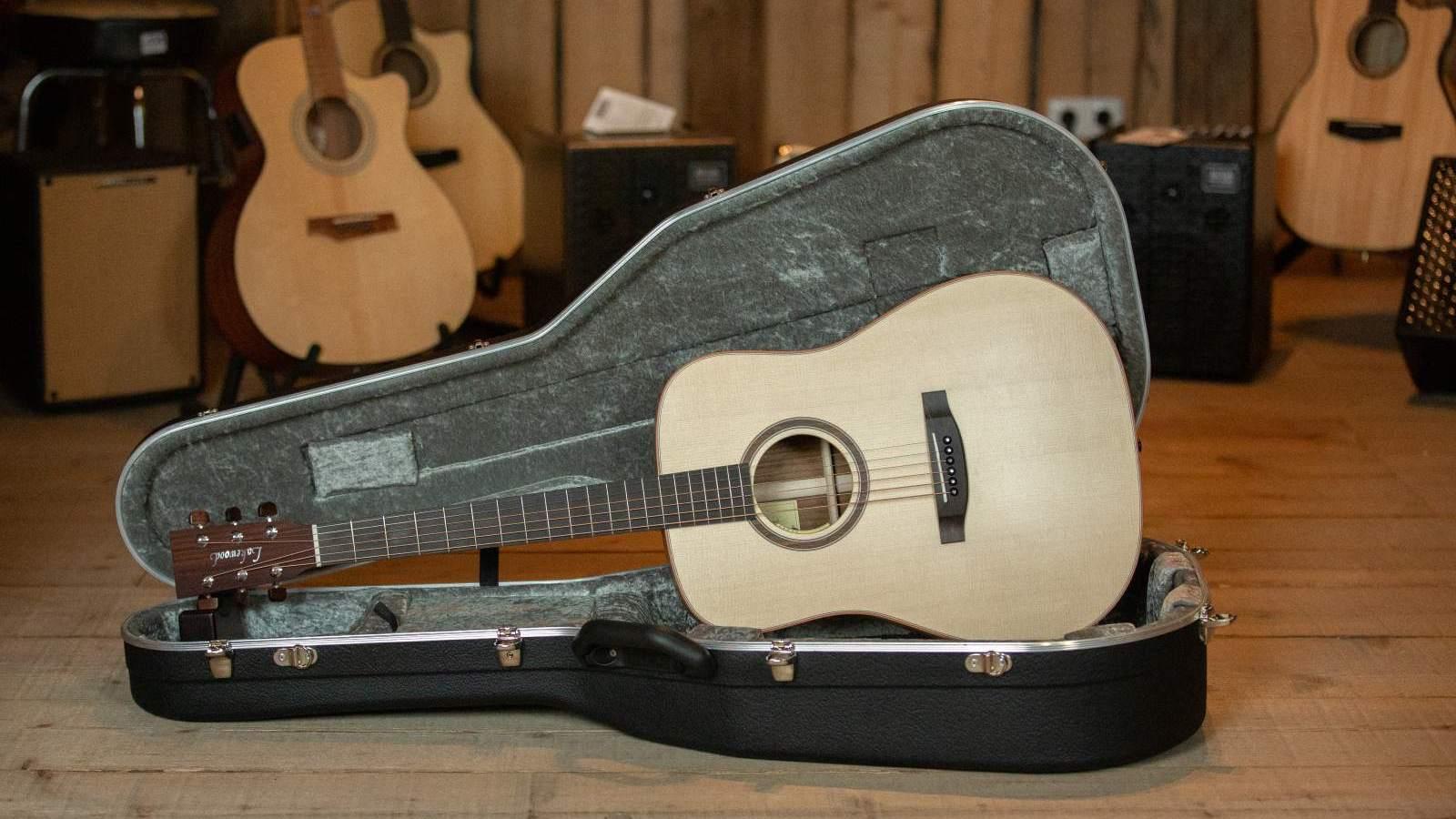 Lakewood Guitars D-18 Custom Dreadnought Ovankol, Anthem