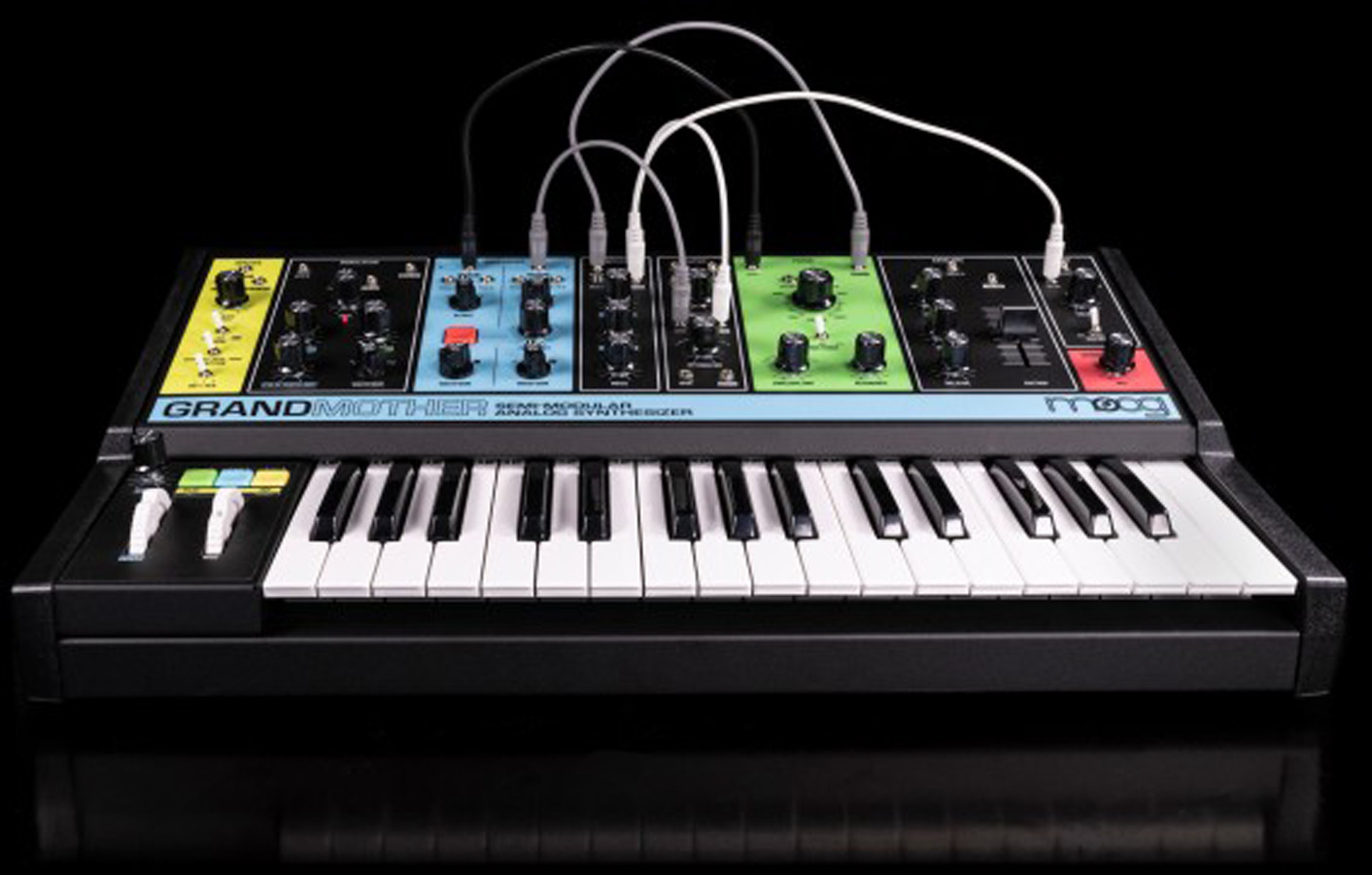 Moog Grandmother semi Modular Synth