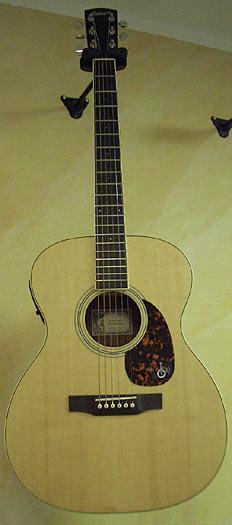 Larrivee OM-03 SP Westerngitarre