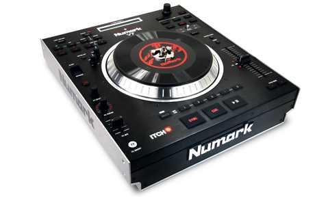 Numark V7 Turntable Controler