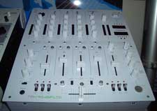 Reloop RMX-40 DSP Mixer limited weiß
