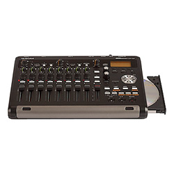Tascam DP-03 Digitales 8-Spur-Portastudio